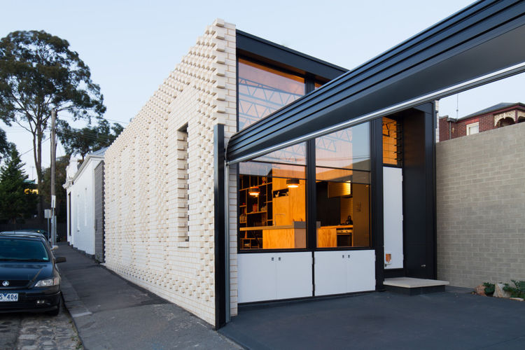 hello-house-outdoor